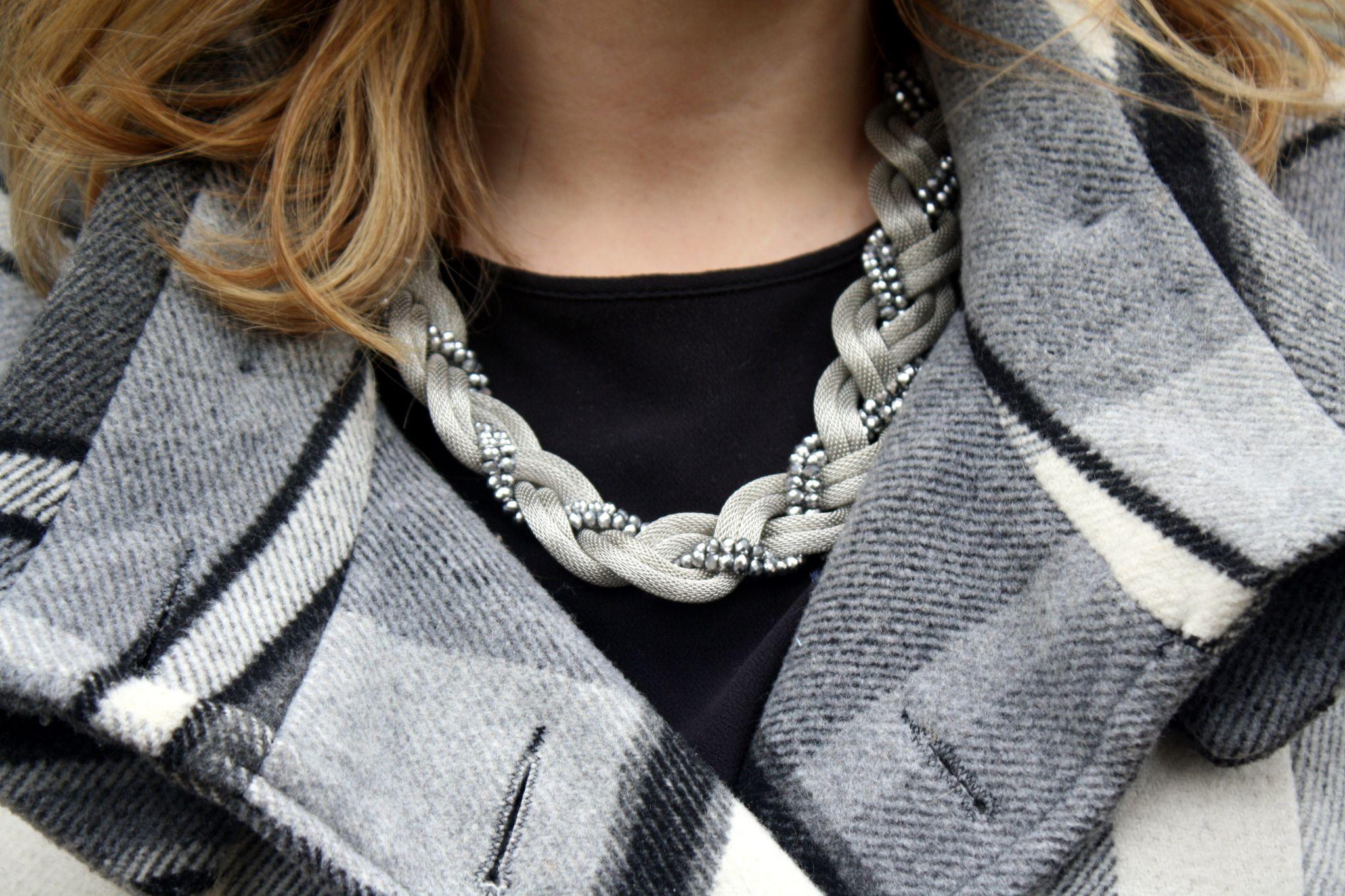 Necklace, Violet Glenton, Yours Clothing