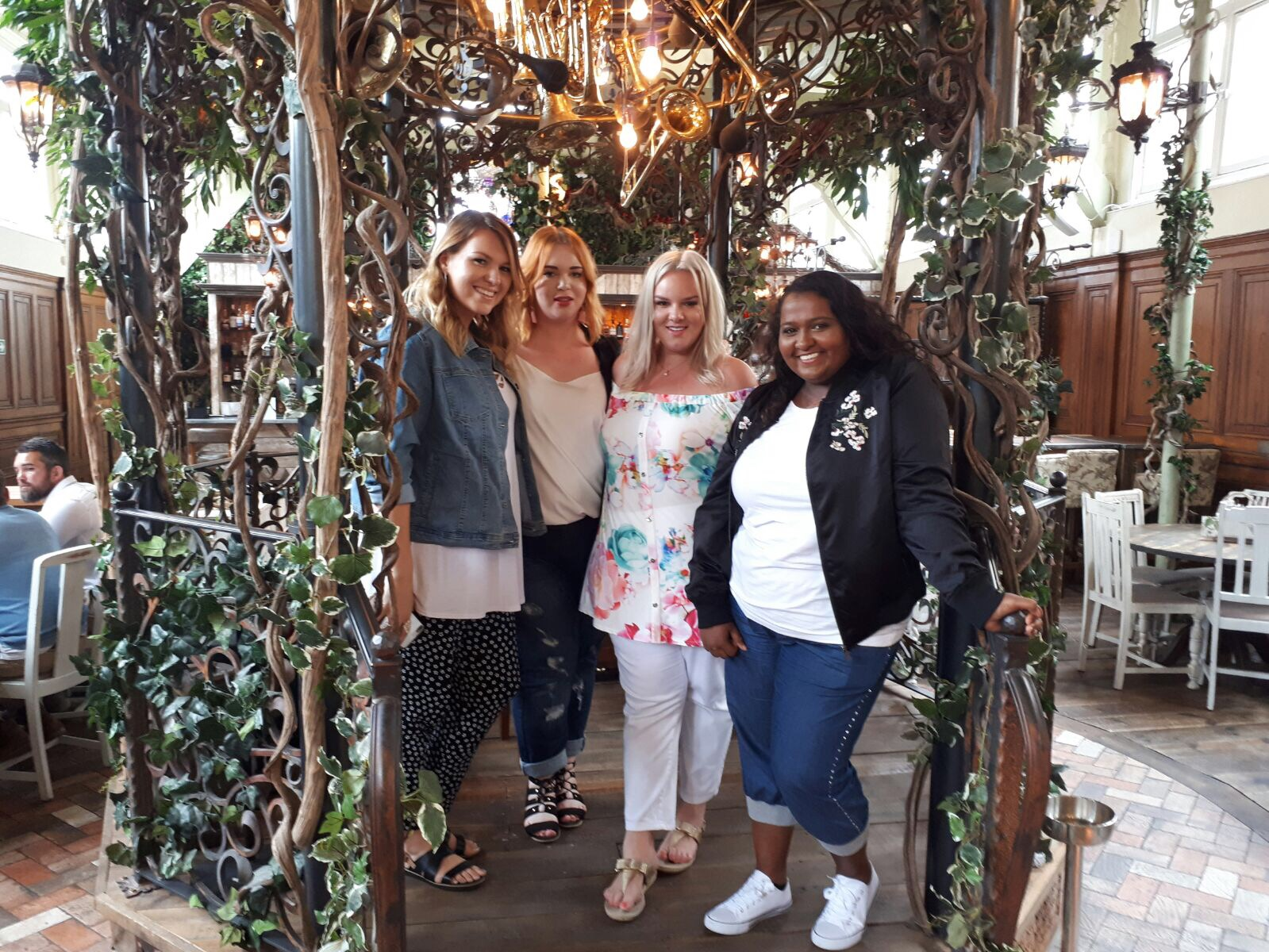 Blogger team, Violet Glenton, Yours Clothing, OOTD, Plus Size Blogger
