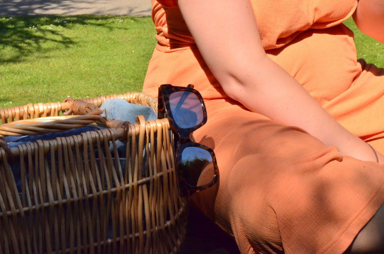 Orange, Violet Glenton