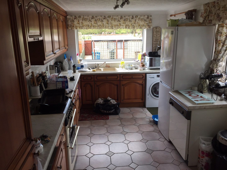 Kitchen, Violet Glenton, Before